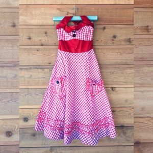 Adorable western, gingham, pin-up dress!! 🤠